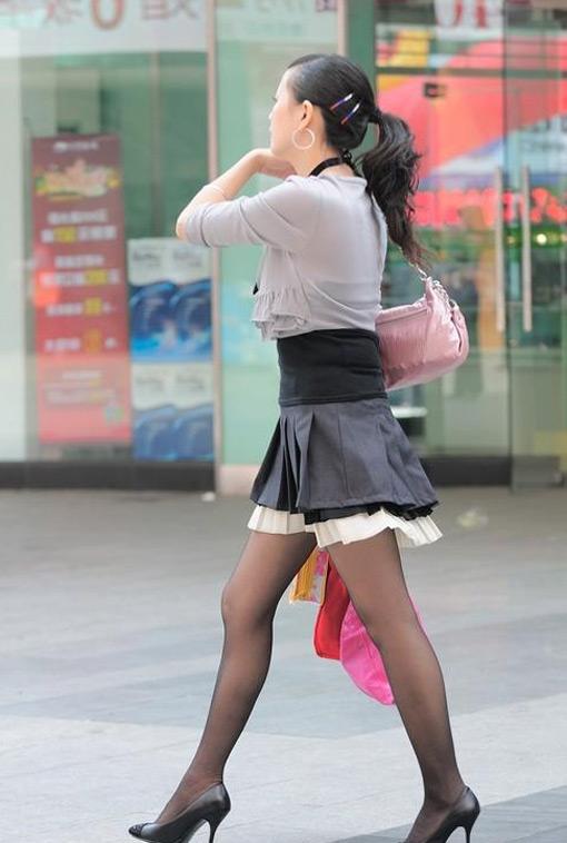 薄丝袜的美女特别要当心